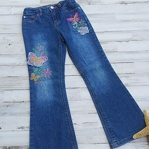 Adorable Butterfly Embroidery Jeans. Size 6x